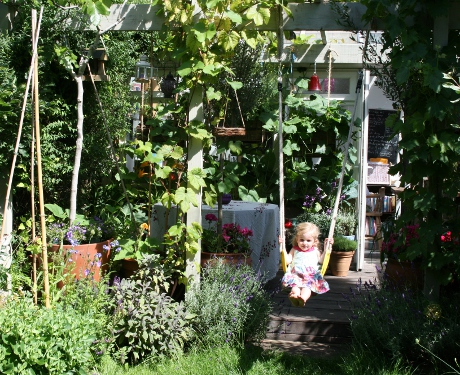 Living Colour's Edible Family Garden – Summer 2011